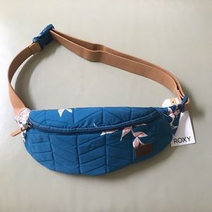 NWT ROXY Fanny bag